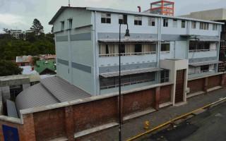 """El edificio """"Rafles"""" fue construido a mediados del siglo XX como sede de la Escuela Técnica Nacional. (Foto: Fernando Montero)"""