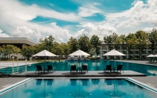 piscina de hotel