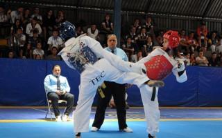 combate_de_taekwondo_