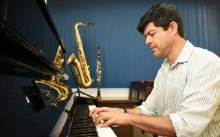 """Vinicio Meza, ganador del Premio Nacional de Música, """" Carlos Enrique Vargas"""". Foto Ruth Garita /OCM"""