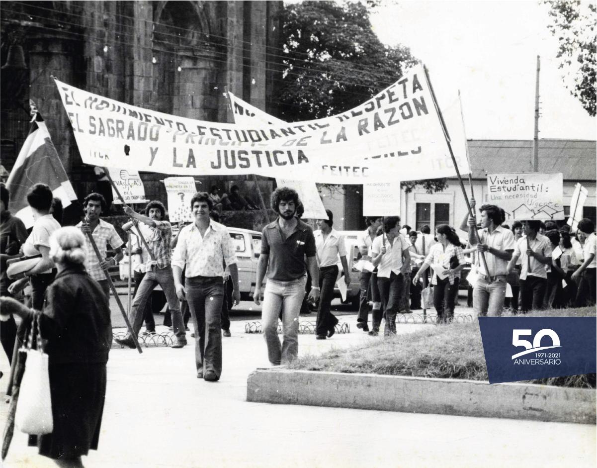 Jóvenes en protesta.