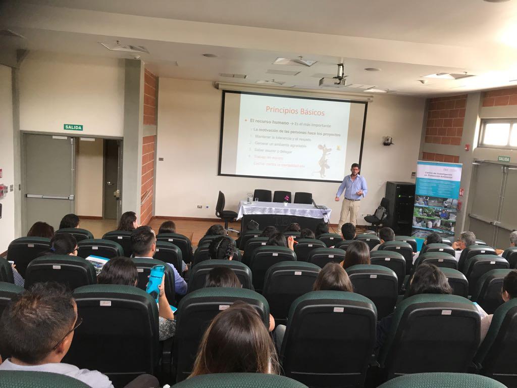 Ing. Jorge Girón durante su presentación