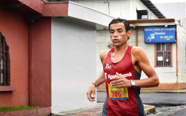 Javier Fernández repitió con paso firme como ganador de la XXII Clásica Atlética del TEC