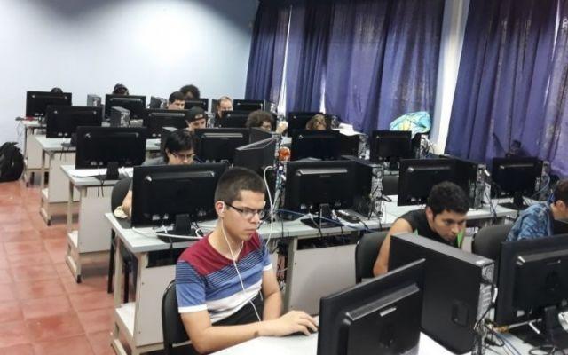Estudiantes crearon videojuegos en competencia interuniversitaria