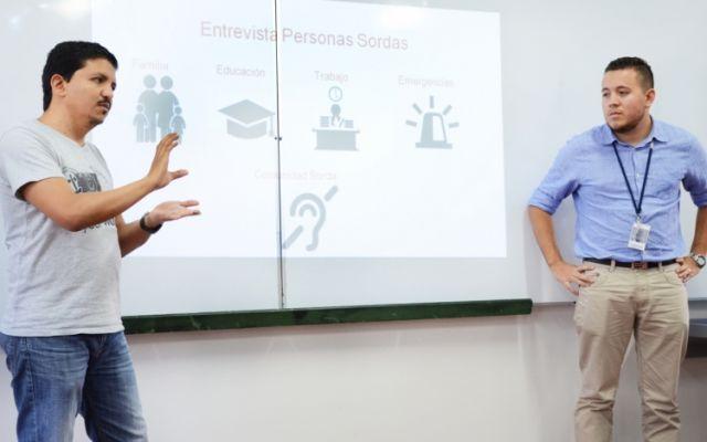 Funcionarios siguen aprendiendo Lenguaje de Señas Costarricense (Lesco)