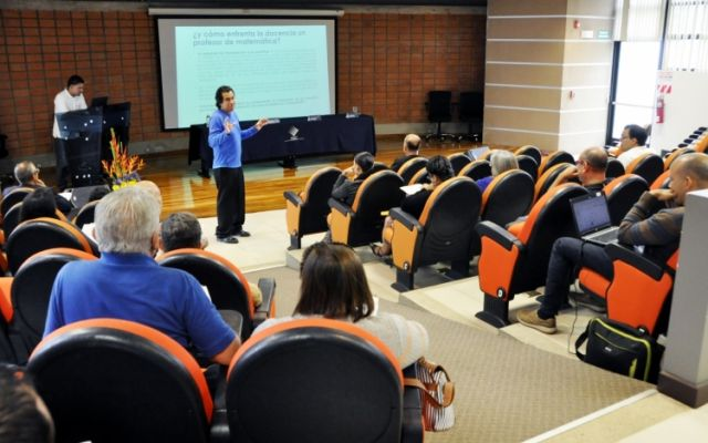 Se presentaron nuevas propuestas didácticas para mejorar la enseñanza de la matemática a nivel universitario