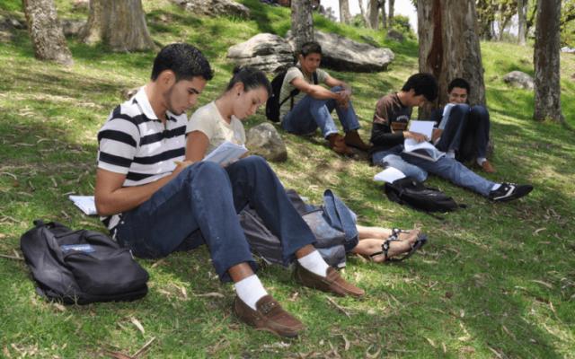 45 años de velar por la formación integral de los estudiantes
