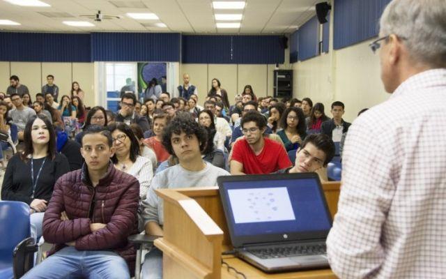 Reforma fiscal, implicaciones sociales y educación superior pública, punto de análisis en foro