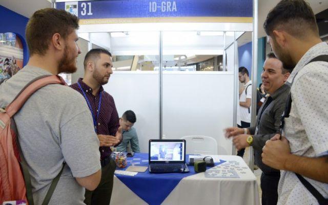 Emprendimiento para ayudar a personas con Alzheimer ganó la Feria de Ideas de Negocios