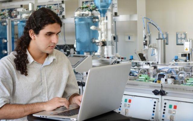 Mecatrónica y Computadores buscan ser las primeras ingenierías del TEC con acreditación simultánea