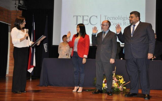Nuevos miembros electos ante el Consejo Institucional fueron juramentados