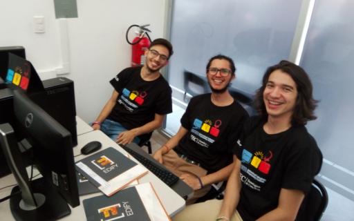 Jóvenes probaron sus destrezas en competencia internacional de programación