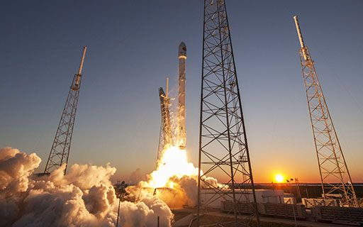 Despegue del cohete Falcon 9.