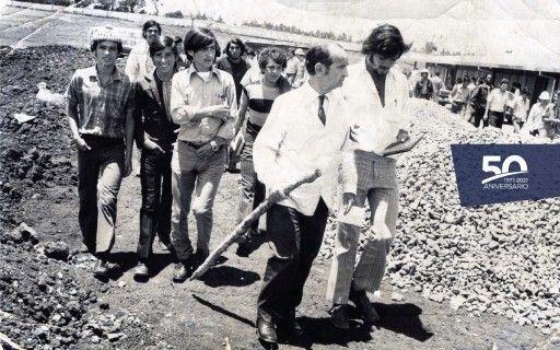 El expresidente José Figueres Ferrer en la lección inaugural del TEC, en 1973.