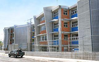 El edificio tiene cinco niveles.