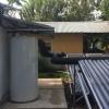 Termotanque de almacenamiento de agua caliente proveniente de los colectores.